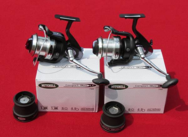 2 moulinets mitchell compact silver lc700
