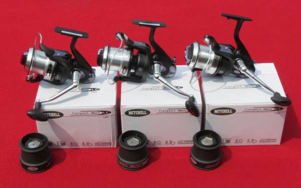 3 moulinets mitchell compact silver lc700